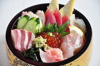 漁師なげこみ丼1,200円.jpg