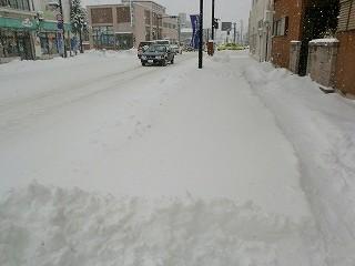 市日通り除雪前 (5).jpg